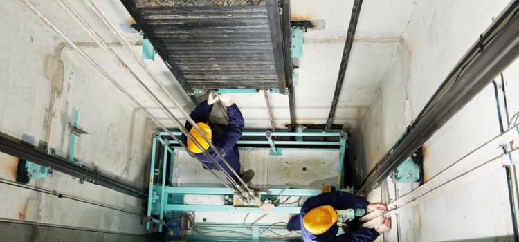 ¿Cada cuánto tiempo se debe pasar la inspección de los ascensores?